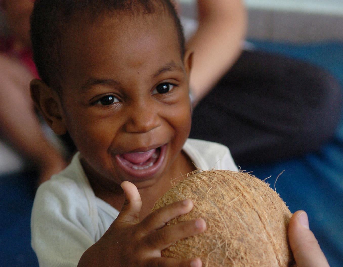 menino com coco
